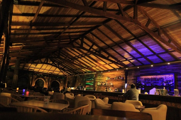 Torino bar restaurant kampala uganda for Bar maison torino